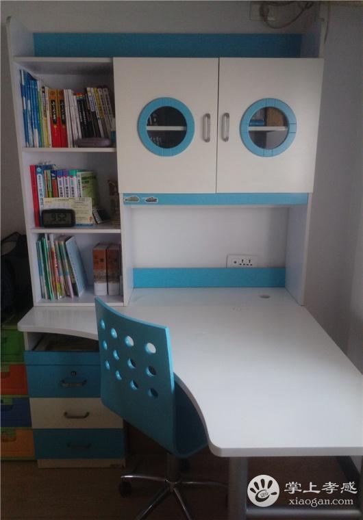 200元处理1.2*1.2米的转角书桌(带书架抽屉)和转椅