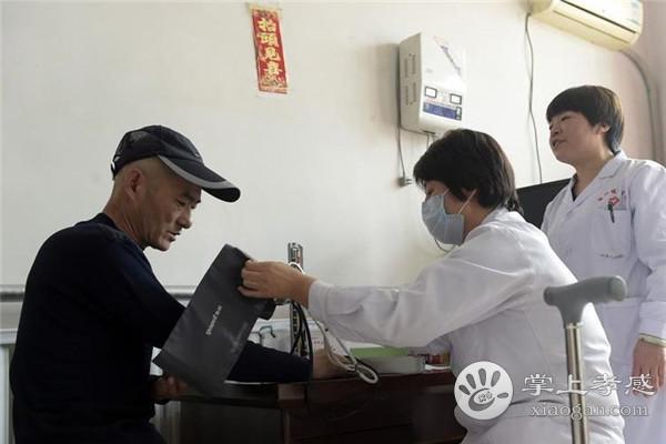 孝南区二医院在走访中开展家庭签约服务
