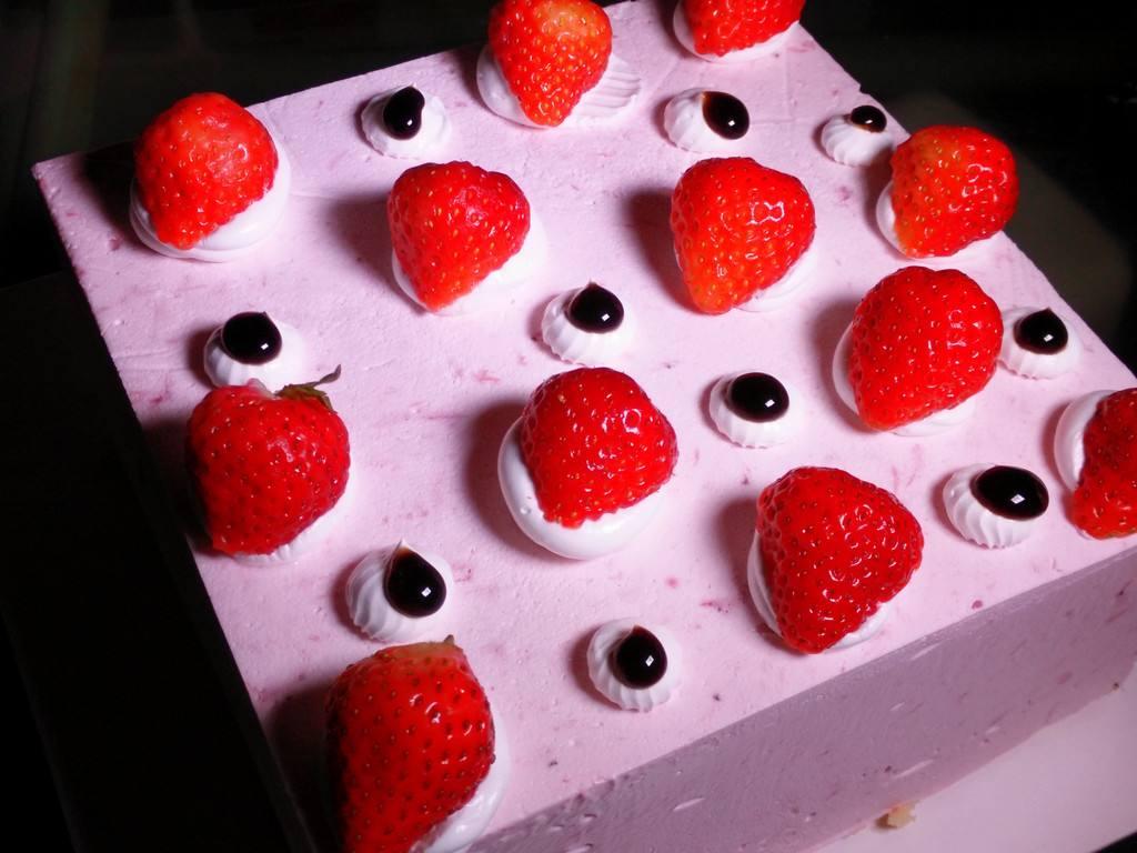孝感女伢想吃蛋糕生气了要换男朋友怕不怕?怕的话就快来……