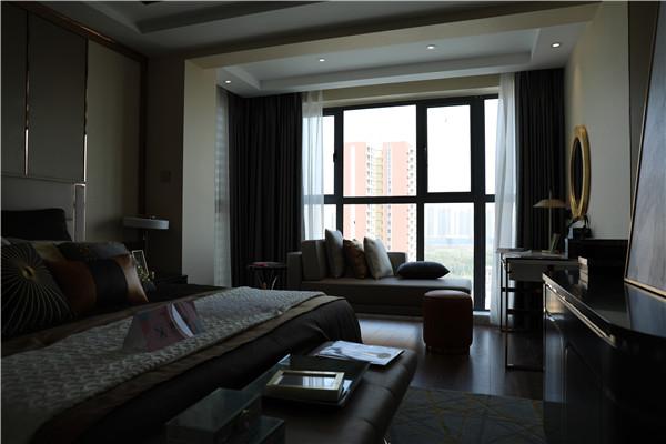 中建二期,尚都精装电梯 ,三房二厅120平家电齐全,拎包入住,2200元/月