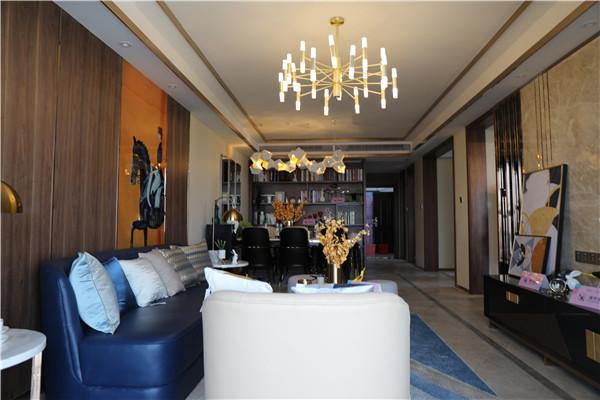 东方丽都95平精装房 两室两厅一卫 2000元/月