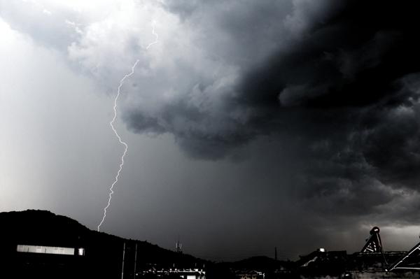 昨天打雷下雨,一定是甘肃11选5基本走势图的哪个渣男在发誓了!