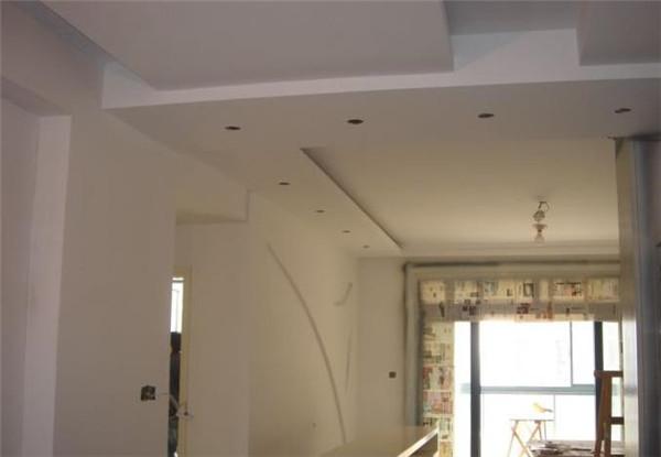 孝感客厅装修做吊顶可以选择什么材料?孝感客厅做吊顶用什么材料好?
