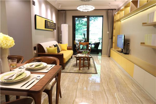 黄琦大厦3室2厅1卫,121平方80万元