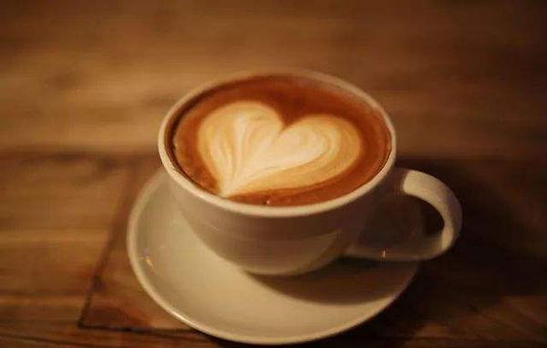 在這個愛情縱橫的年代,談戀愛不如跟孝感小哥哥一起吃甜品喝咖啡~
