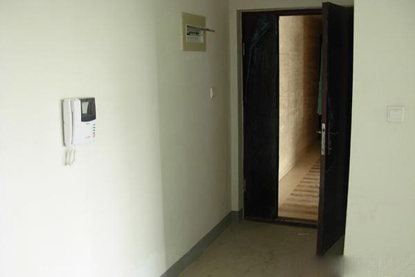 宇济滨湖天地菊苑3室2厅2卫126平 精装办公室 钥匙在是随时看房 1800元/月