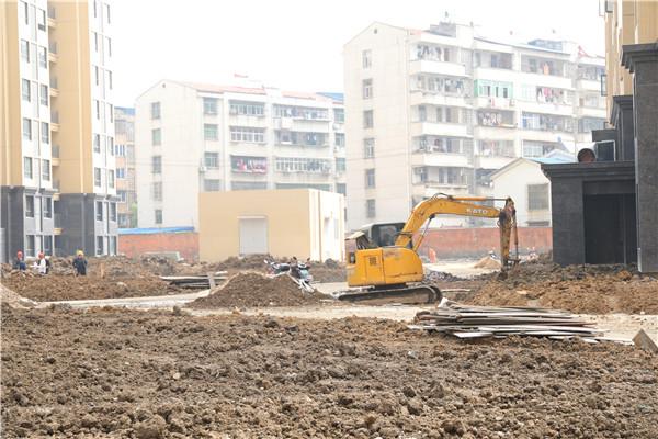 宇济城中城 4室2厅2卫 169平米 88万