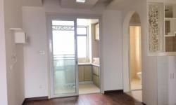 中建国际花园117平精装房  三室两厅两卫  2200元/月
