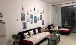 全洲国际95平精装房  两室两厅一卫  1400元/月