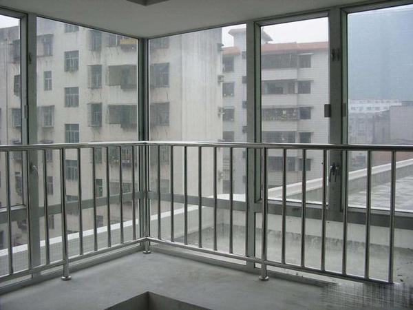 新华社区 新华时代对面 证满五唯一 3室2厅1卫 104平米 32万