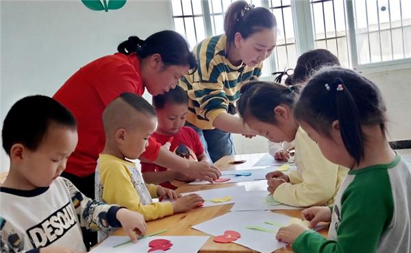 大悟宣化店镇、新城镇中心幼儿园开展感恩母亲节主题活动!