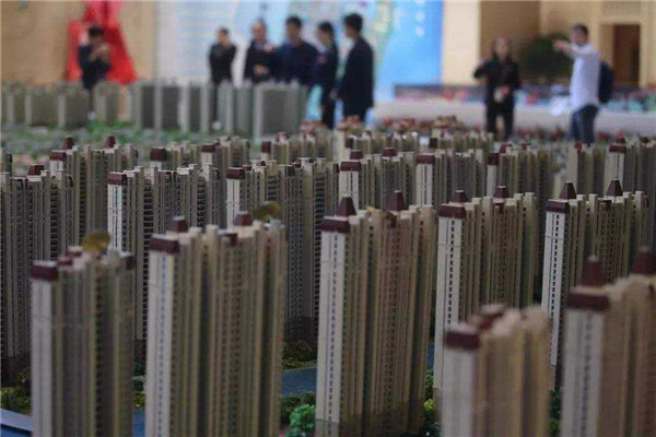 南大新华菜场旁居安小区2楼,122平米,毛坯3室2厅2卫 30万