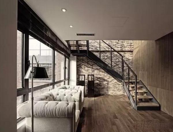 孝感市公路管理局宿舍单位房 大天桥旁 3室1厅1卫 76平米 证满五 出行方便 售价26万