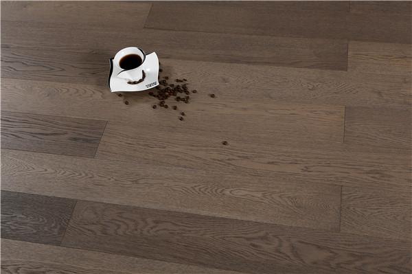 孝感装修新房选择木地板还是木纹砖?装修用木纹砖好吗?