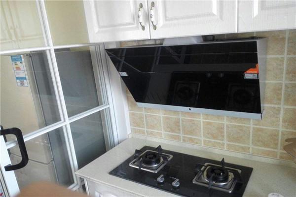孝感厨房装修应该选择哪种油烟机?选购油烟机有哪些小技巧?