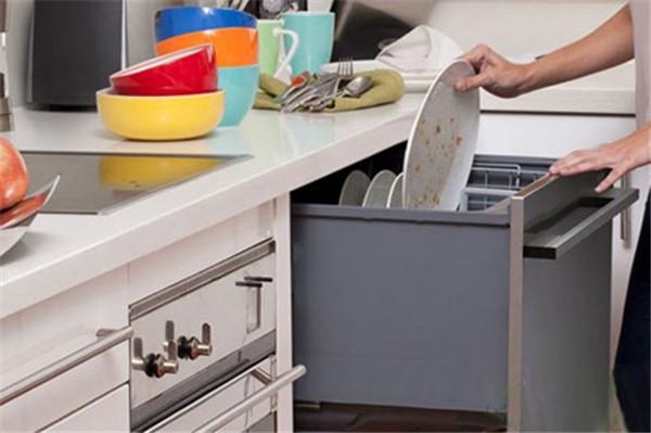 孝感厨房装修选购什么款式洗碗机好?厨房洗碗机类型选择