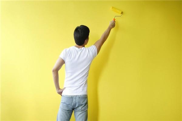 孝感新房装修乳胶漆是喷涂还是手工刷?喷涂和刷涂分别有哪些优缺点?