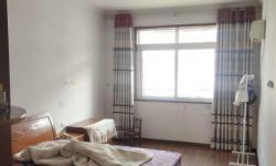 香澳路步行街3室2厅1卫,120平方1300 元/月
