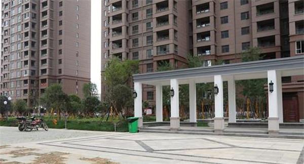 铜锣湾国际广场精装22楼 3室1厅2卫 92平米 69万