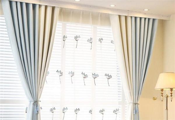 孝感卧室窗帘选单层还是双层?单层和双层窗帘优势对比