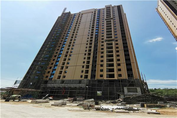 孝感鑫火国际8月工程进度:3#、5#电梯已安装完毕,内墙在抹墙灰