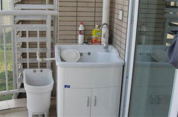 孝感新房装修拖把池安装在哪里?拖把池安在卫生间还是阳台好?