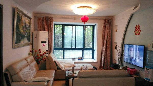 铜雀台60平精装房 两室两厅一卫 1500元/月