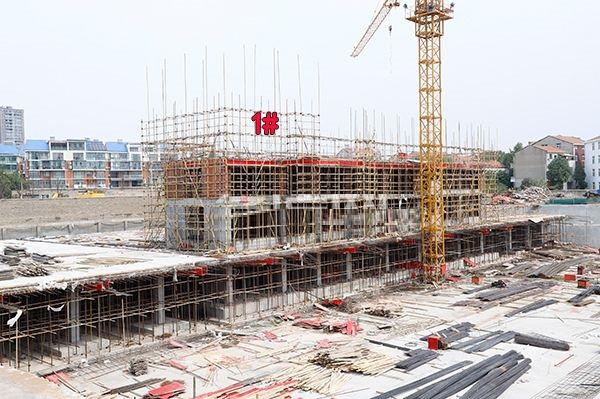 孝感东宸花园9月工程进度:1#、2#楼正在施工中