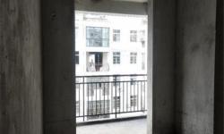 高性价比房 南大幸福花城 毛坯 4室2厅2卫 通透双阳台 141.5平米 证满税费低 52万