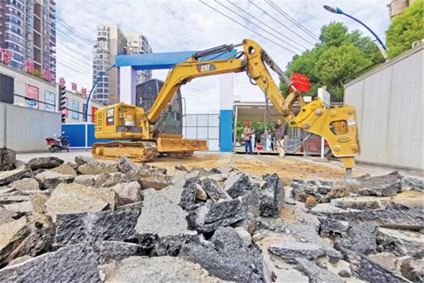 孝感市城站路地下空间一期二阶段破土动工
