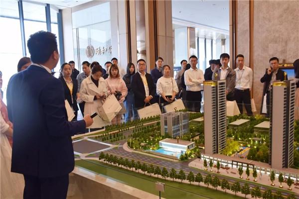 桂桥社区 1室1厅1卫 700元月 精装修 30平