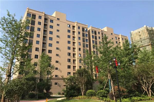锦绣后湖4室2厅2卫,132平方2200 元/月