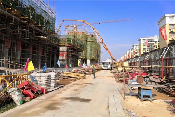 大悟西岳鑫城11月工程进度:1#楼建到3层,2#楼建到8层,3#、5#楼建到11层,6#楼建到17层