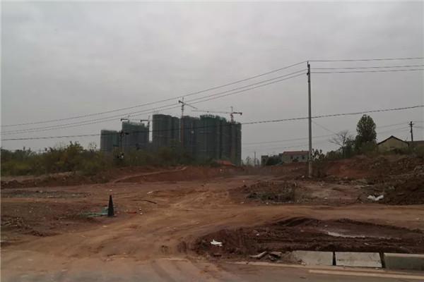 孝昌孟宗凤凰城11月工程进度:G1号楼建至21层,孟宗大市场已经开工,通往教育城横2路已经拉通