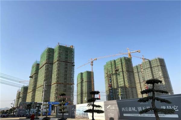 大悟西岳鑫城12月工程进度:1#楼主体结构已盖至10层,2#楼主体结构已盖至17层