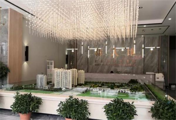 铁军新苑 5室2厅4卫 230平米 南北通透 急售 50万