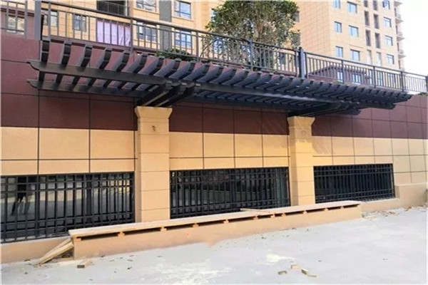 宇辉星城4室2厅2卫,155平方2700 元元/月