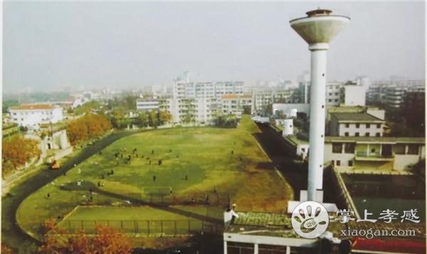 走进老体育场和老体育馆,看看多年前你曾留下脚印的这片绿茵场![图1]