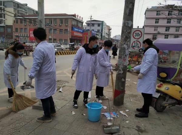 孝南区第二人民医院开展清理违规广告活动
