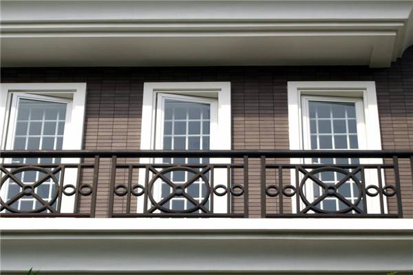 甘肃11选5基本走势图阳台装修选择什么护栏?什么材质的护栏好?
