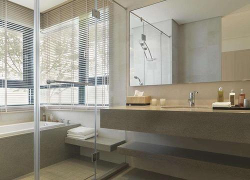 孝感新房装修卫生间玻璃膜怎么选?卫生间玻璃膜选择技巧介绍