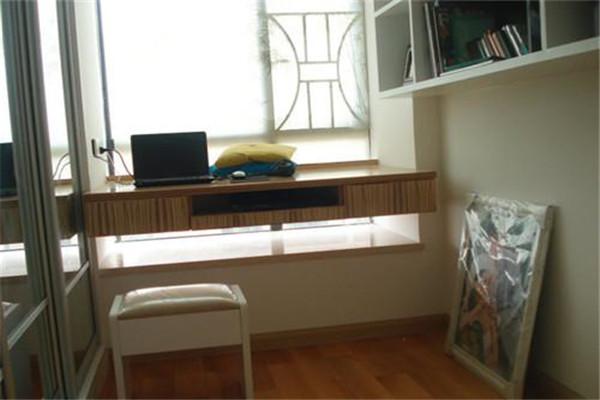 阳光学苑86平精装房 两室两厅一卫 1600元/月