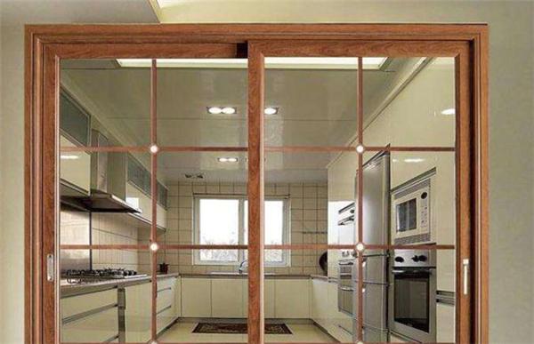 金东华府122平精装房 三室两厅两卫 1800元/月