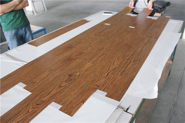 孝感人装修时使用石塑地板好不好?石塑地板优缺点介绍