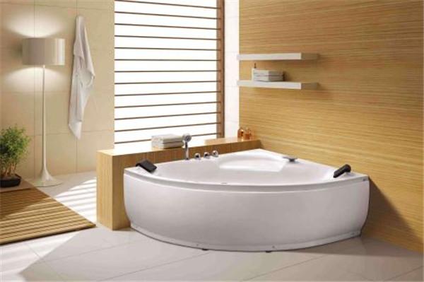 孝感卫生间装修选择哪种按摩浴缸好?按摩浴缸种类介绍