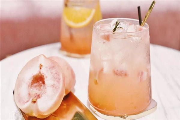 湖北創華生態農莊桃子酒好喝嗎?湖北創華生態農莊桃子酒釀制方法介紹