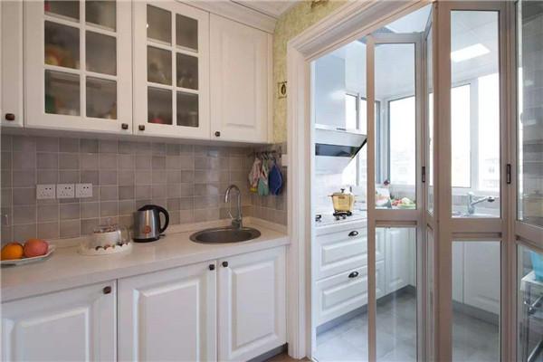 孝感厨房装修选择什么隔断门好?厨房隔断门有哪些材质?
