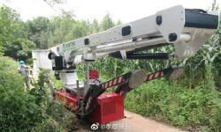 湖北省首台履带式带电作业车在孝感安陆市投入使用