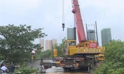应城市城管局加快安装排水泵 着力提升城区排渍能力