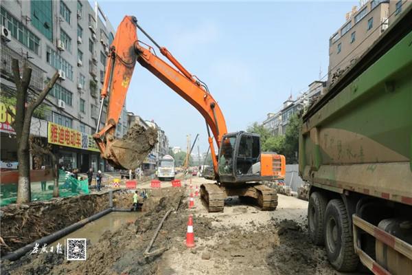 甘肃11选5基本走势图槐荫大道综合改造工程9月24日最新进展:全线四个工区正在进行道路南侧地下工程施工!